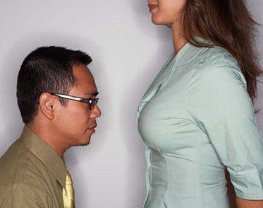 Man looking at boobs