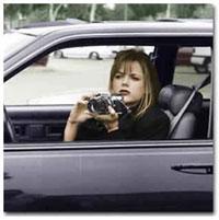 Woman_investigator